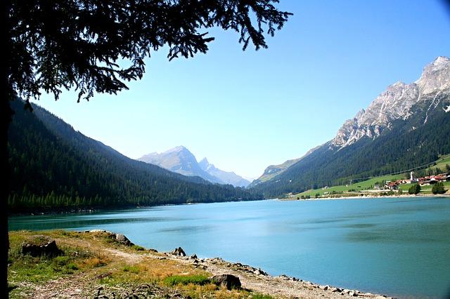 Camping am Sufnersee bei Splügen in Graubünden